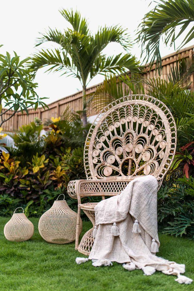 Stylowy fotel pawi robiony zrattanu handmade