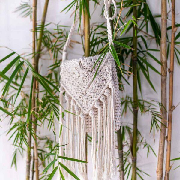 Torebka pleciona ze sznurka na lato w stylu boho