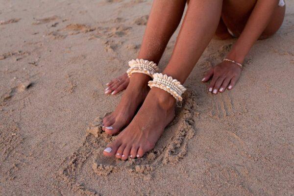 bransoletka muszelkowa na lato i plaże z bali