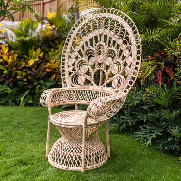 Fotel pawi z rattanu z Bali