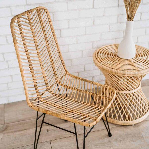 krzesło rattanowe do kuchni