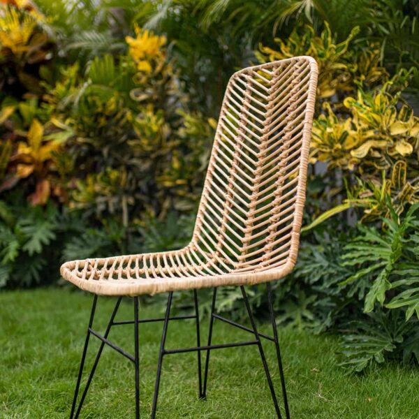 krzesło rattanowe do jadalni