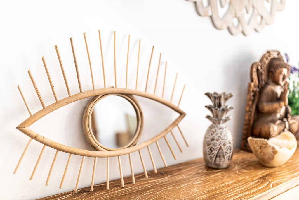 Ręcznie robione lustro rattanowe wkształcie oka