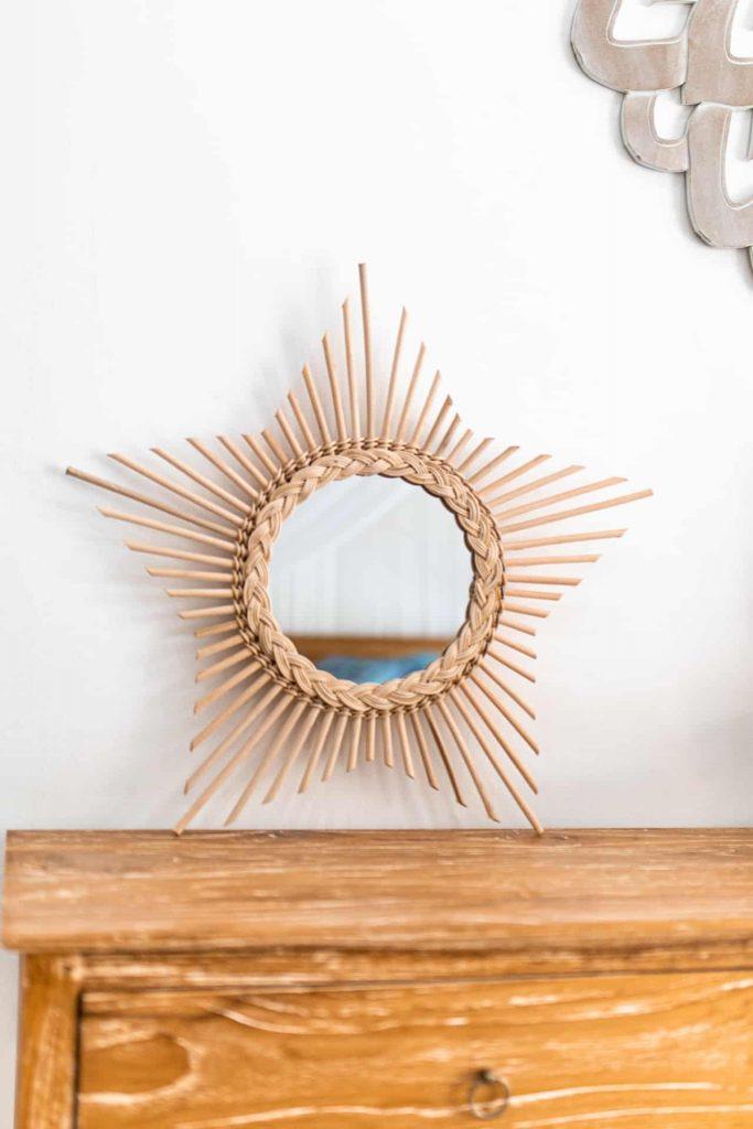 Ręcznie robione lustro rattanowe wkształcie gwiazdy