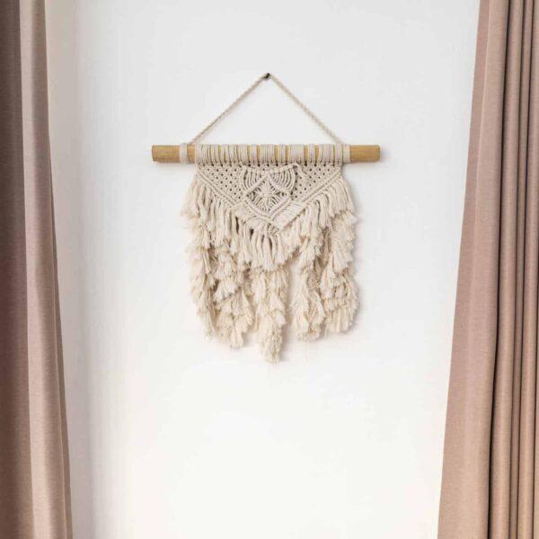 Makrama na ścianę pleciona ze sznurka w stylu boho