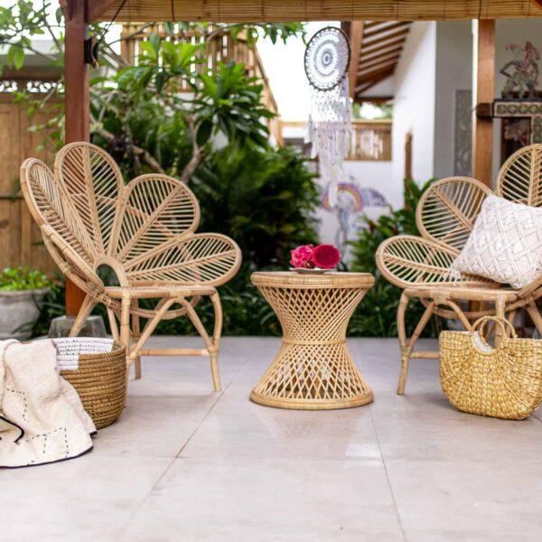 Rattanowy stolik do salony handmade