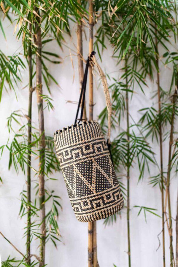 Ręcznie robiony plecak z rattanu w stylu boho z Bali