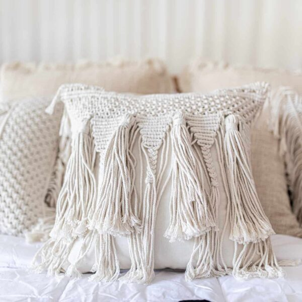 Ręcznie robiona poduszka pleciona 40x40 z bali