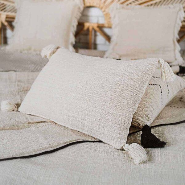 poszewka z frędzlami surowa bawełna