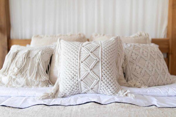 Poduszki-ozdobne-kwadratowe-40-40-do sypialni