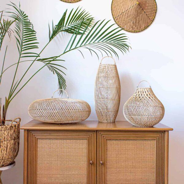 recznie robione lampy z Bali