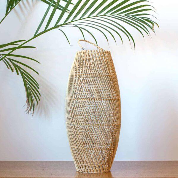 klosz z rattanu ręcznie robiony na Bali