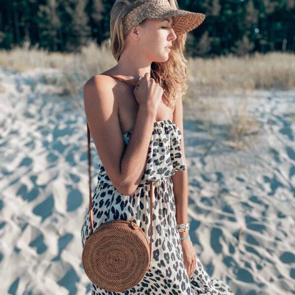 sukienka na plażę w panterkę w stylu boho