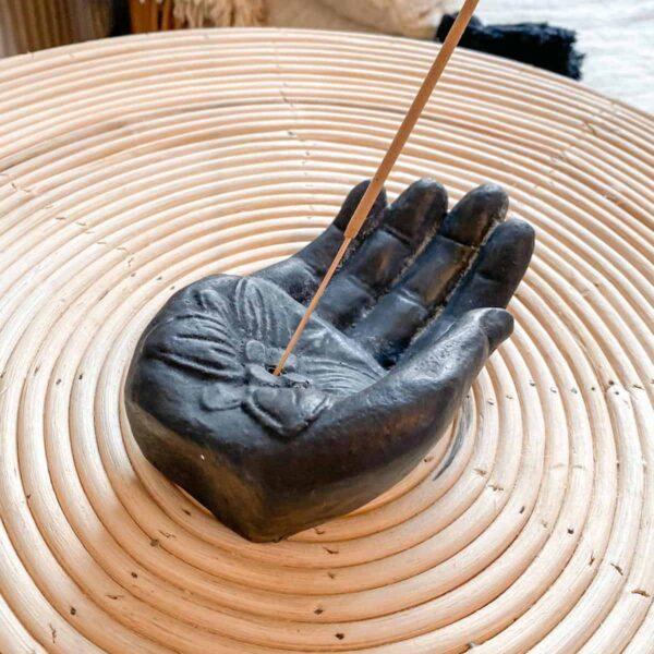 podstawka na kadzidło w kształcie ręki