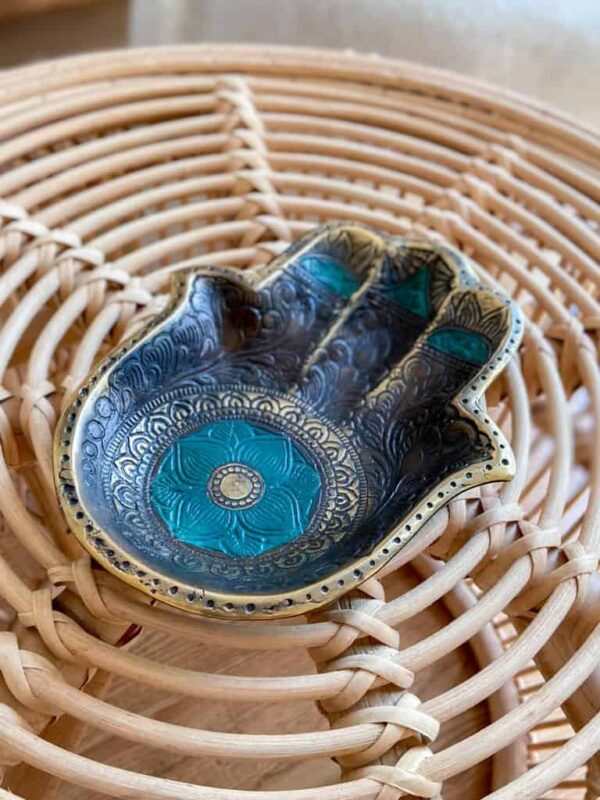 podstawka w kształcie ręki mosiężna