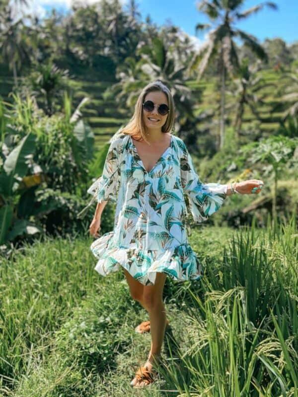 krótka sukienka plażowa