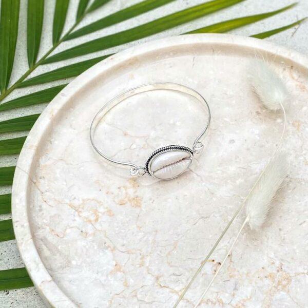 srebrna bransoletka z muszla