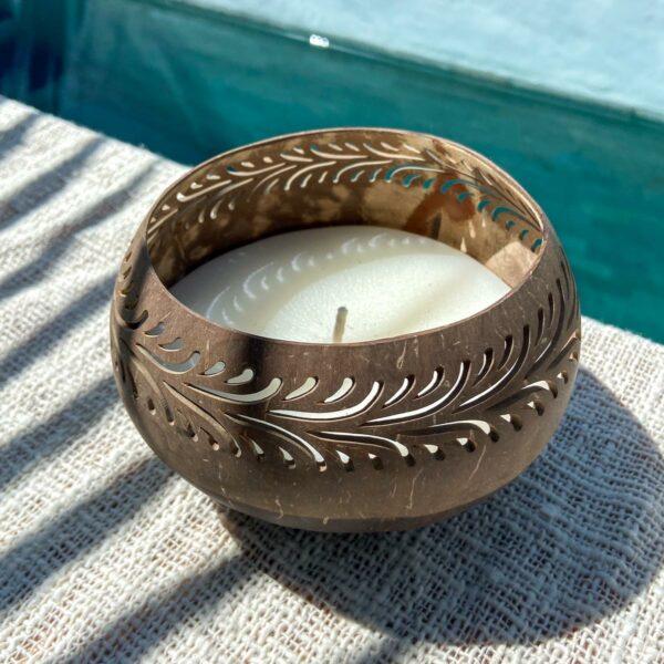 świeca w kokosie