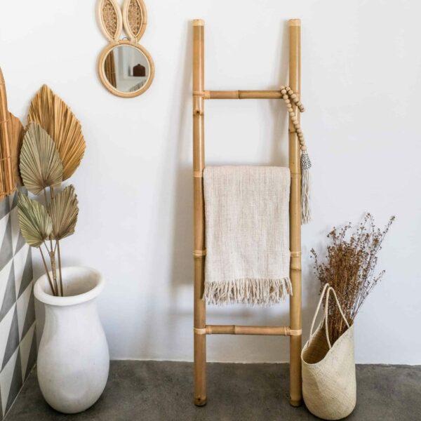 drabinka bambusowa do łazienki
